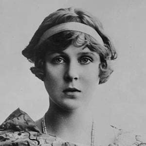 Biography Lady Diana Cooper | lady diana cooper bio facts family famous birthdays