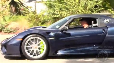 seinfeld porsche 918 video comedians in cars getting hassled jerry seinfeld
