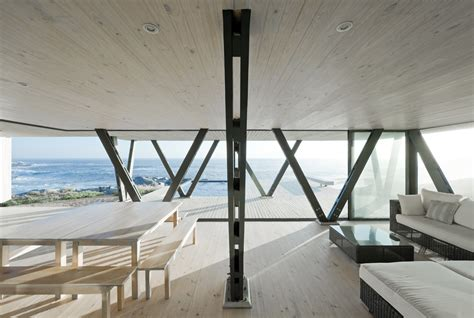 design home support chile vacation home uses angled support columns to add to
