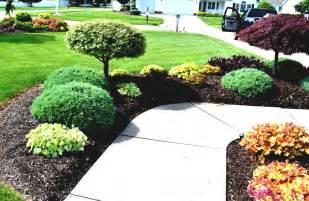 Front yard landscaping ideas 02 frontyard landscape