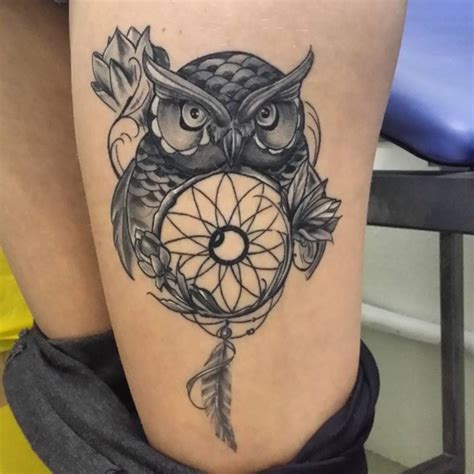 dreamcatcher tattoos on thigh 30 stunningly dreamcatcher on thigh