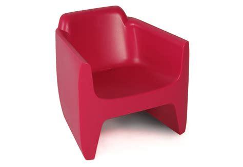 fauteuil en plastique fauteuil exterieur plastique table de lit a roulettes