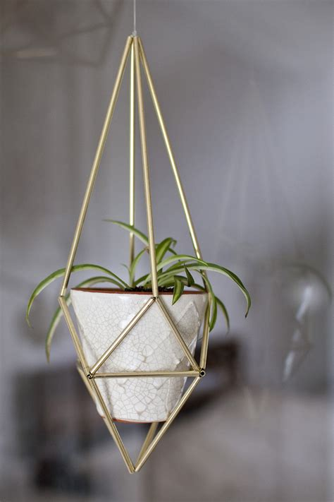 make a diy hanging himmeli plant holder