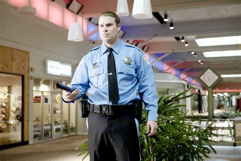 observe and report picture 2