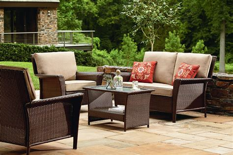 style your yard with patio furniture corner