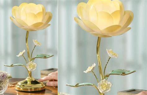 12 beautiful lamps shaped in flower design swan