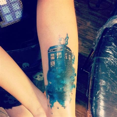 tardis tattoo design best 25 doctor who tattoos ideas on