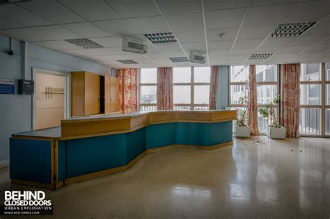Hospital Reception Desk Elizabeth Ii Hospital Welwyn Garden City Uk 187 Urbex Closed Doors