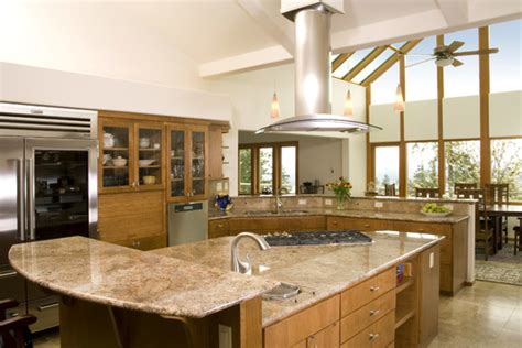 Kitchen Designers Calgary by Picking The Perfect Granite And Cabinet Combinations