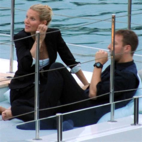 chris martin and gwyneth paltrow gwyneth paltrow and chris martin pictures popsugar celebrity