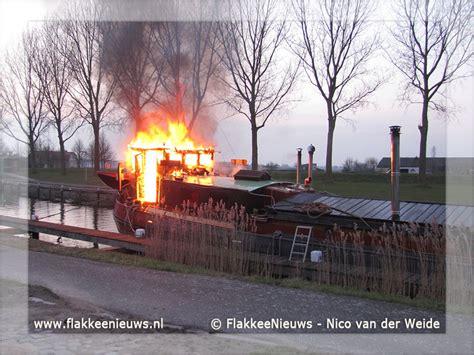 schip brand brand op schip in havenkanaal middelharnis flakkeenieuws