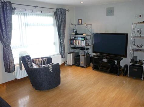 2 bedroom flat belfast 2 bedroom flat for sale in ballybeen park dundonald