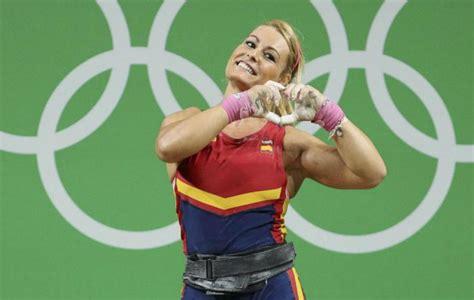 lydia valentin zarya s new emote heavy lifter lydia valentin s pose
