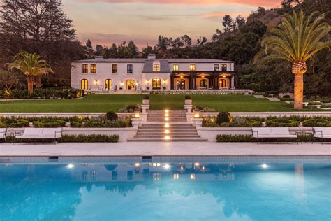 Haus Kaufen Usa California by Beverly Real Estate And Homes For Sale Christie S