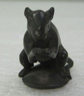 Figure Cur 2 museum asian figure of mouse