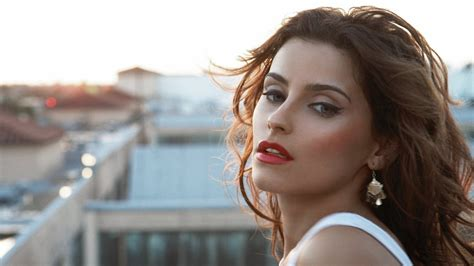 Nelly Furtado Wallpaper nelly furtado wallpapers images photos pictures backgrounds