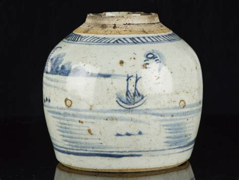 ginger jar late ming dynasty chinese blue and white stoneware ginger