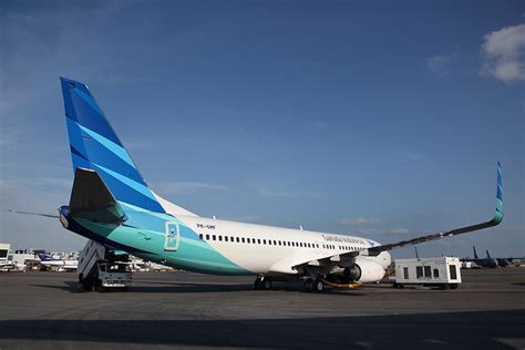 Tas Travel Kit Garuda Air Line Terlaris garuda indonesia introduces new boeing 737 800ng on kl