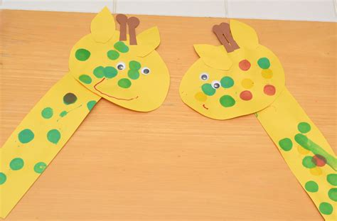 easy animal crafts for giraffe craft for preschoolers www pixshark images
