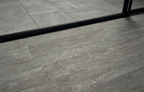 piastrelle da terrazzo piastrelle grigio chiaro per terrazzo gres grigio chiaro