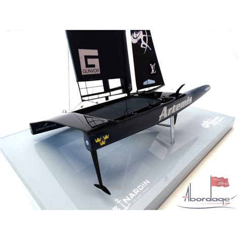 artemis racing desk model