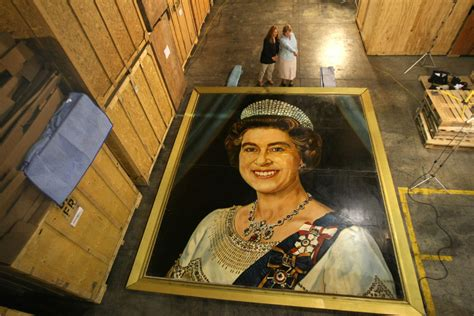 home of queen elizabeth portrait of queen elizabeth going home to winnipeg