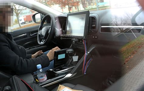 renault koleos 2017 interior spyshots 2017 renault d segment crossover shows interior