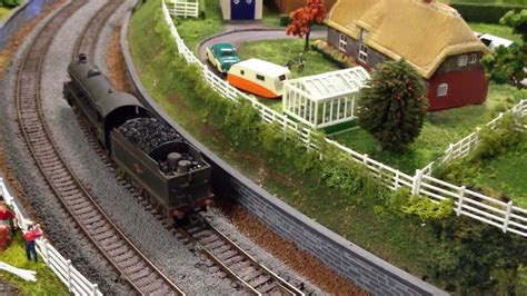 oo layout youtube british model train layout oo scale class b1 dcc sound