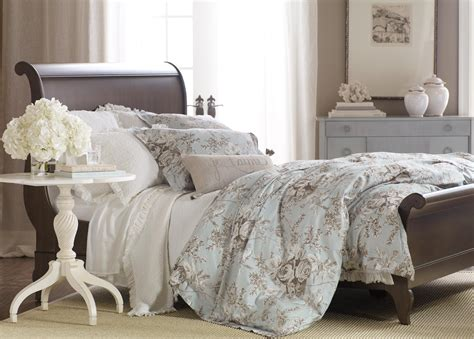 ethan allen bedding loxley floral duvet cover and white paisley matelass 233