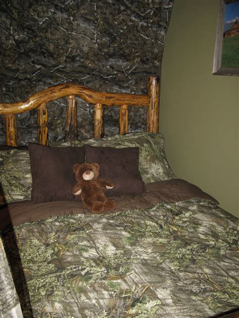 hunting themed bedroom the funky letter boutique how to decorate a boys room in