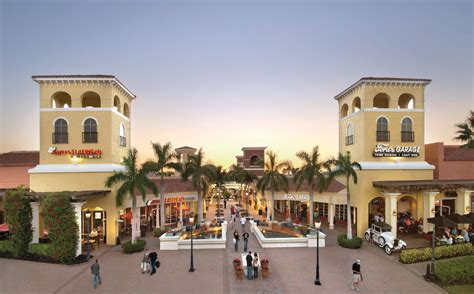 5 reasons why miromar outlets gift cards make the perfect holiday gift miromar outlets - Miromar Outlet Gift Cards