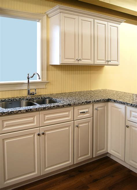 Newport White Kitchen Cabinets   Builders Surplus