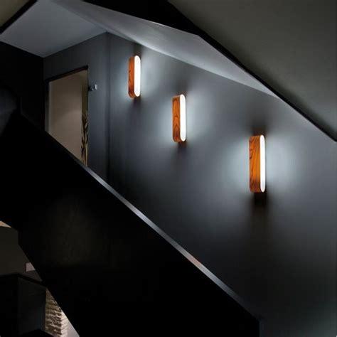 apliques para escaleras razones para iluminar tu hogar con apliques de pared