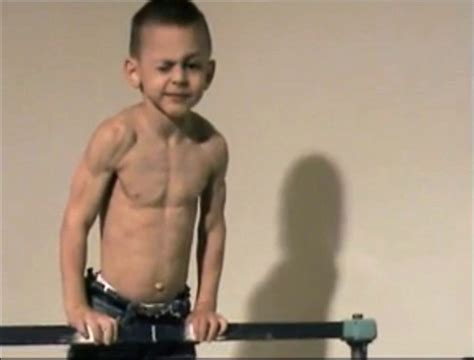 richard sandrak bench press little big guys we don t want to mess with