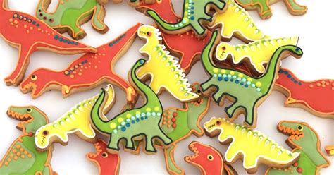 rozannes cakes dinosaur biscuits