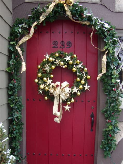 front doorway christmas decorations 31 creative front door decorations