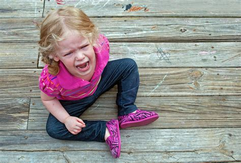 Did Throw A Tantrum In A To Store by 10 Ways To Your Kid S Tantrums