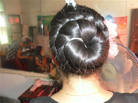 the biggest hair bun in the world 硕大的发髻放下来 中国长发网