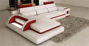 deco in canape d angle cuir blanc et design