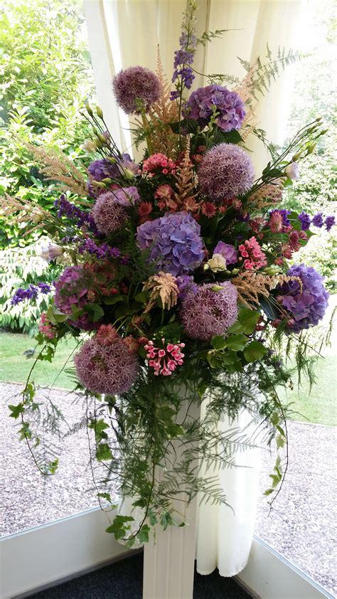 Flower Pedestal Wedding Flowers Pedestal Flowers Cz Handsaker Floral