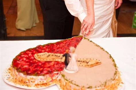 Hochzeitstorte Erdbeerherz by Hochzeitstorten A Z Die Besten Tipps Beispiele