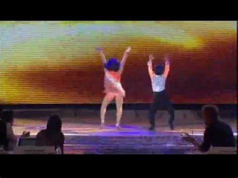 imagenes de karla y jesus de pequeños gigantes jesus karla bailando merengue el chupacabras en