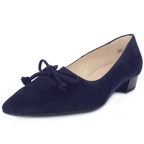 accessorize shoes kaiser lizzy s low heel pointy shoes in navy