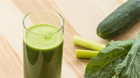 Total Carbohydrates In Detox Island Green by Green Detox Juice Mad Greens