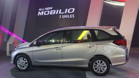 Garnish List Lu Depan Mobilio Rs honda mobilio joins battle of small 7 seater mpvs