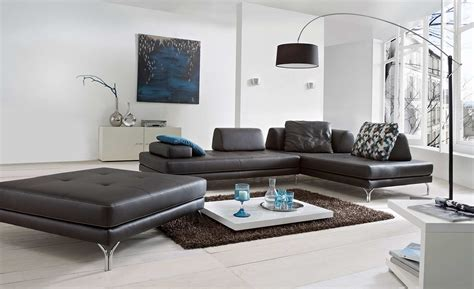 wohnzimmer weiß schwarz bilder niedrigen decke im wohnzimmer mit balken