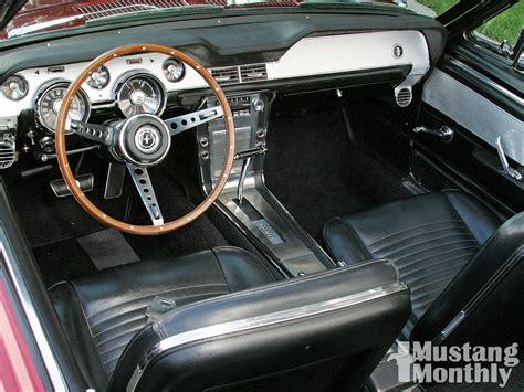 1967 ford mustang interior mump 1002 04 o 1967 ford mustang convertible engine
