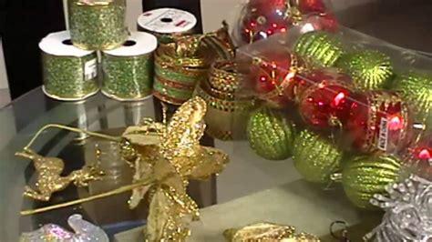 como decorar un arbol de navidad con cinta ancha arbol de navidad como adornar con cinta alambrada cintas