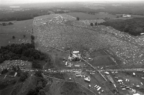 photography today a history forgotten woodstock never seen before images of the greatest rock concert of all time page 2