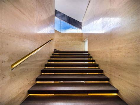 corrimano per scale esterne illuminazione per scale interne 30 idee originali con
